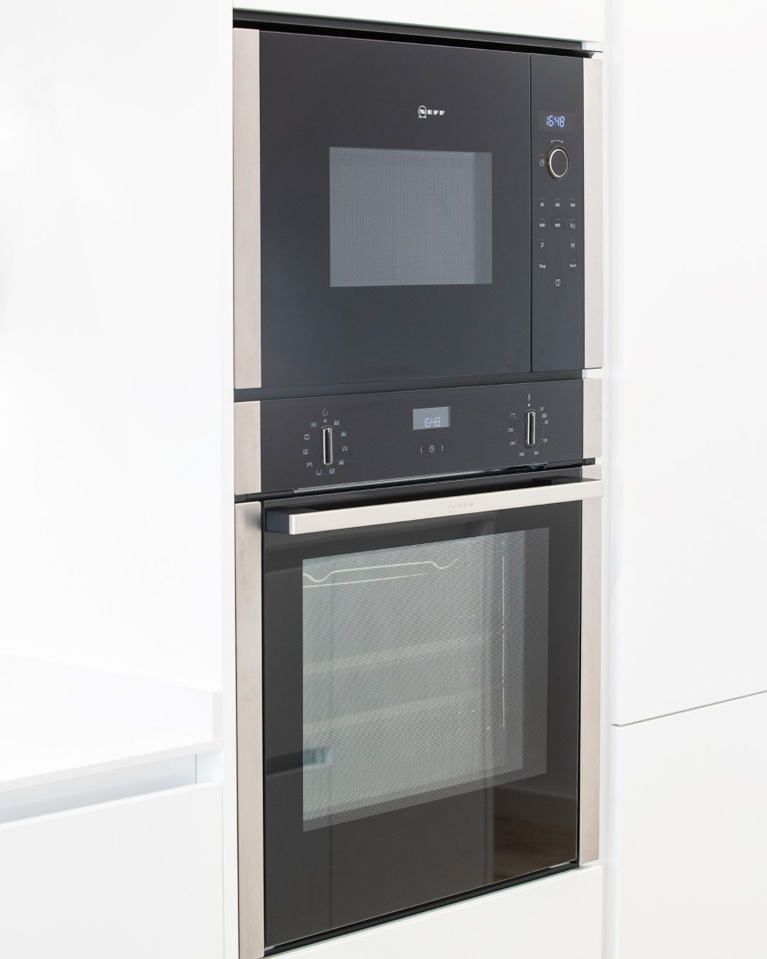 Horno integrado en una cocina de diseño Buraglia
